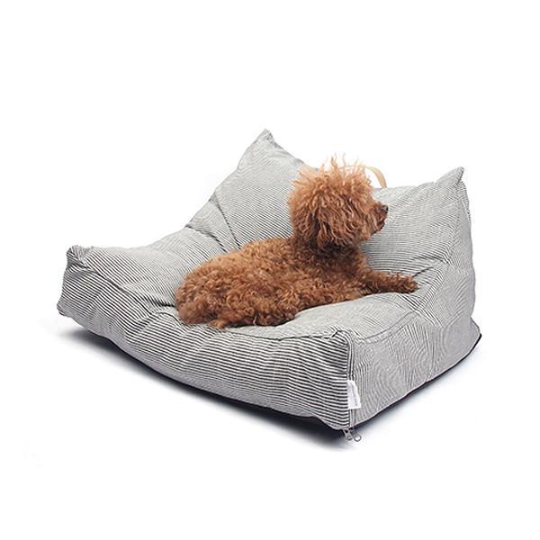 Il divano Black Mayonnaise è stato concepito su un modello di cuscino tridimensionale per fornire ai vostri cani una sensazione di comodità e rilassatezza senza paragoni .